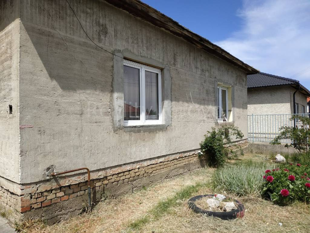 Rodinný dom-Predaj-Žihárec-56000.00 €