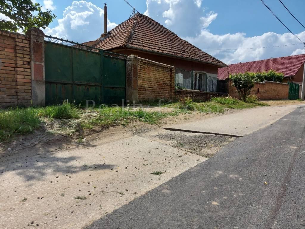 Rodinný dom-Predaj-Dvory nad Žitavou-46000.00 €