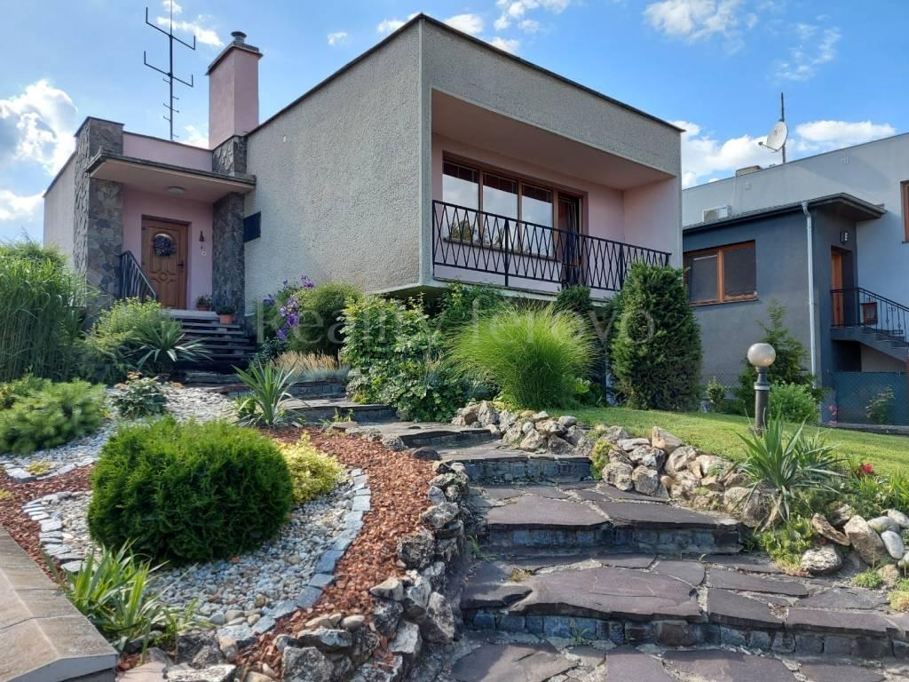 Rodinný dom-Predaj-Šurany-136000.00 €