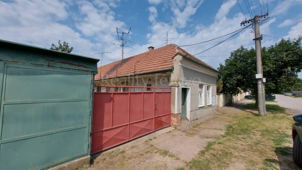 Rodinný dom-Predaj-Váhovce-0.00 €