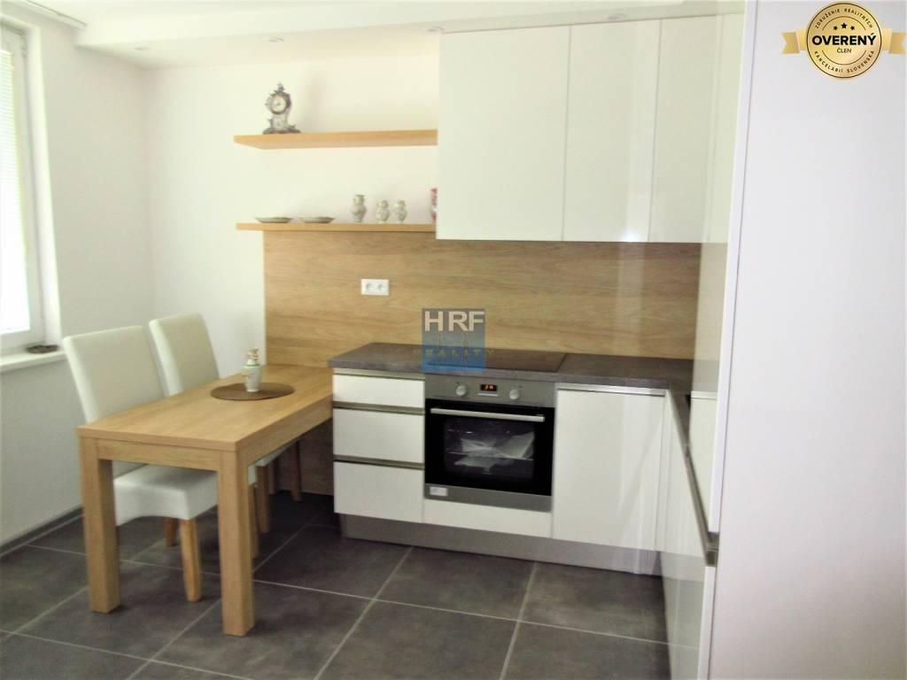 1-izbový byt-Prenájom-Holíč-350.00 €