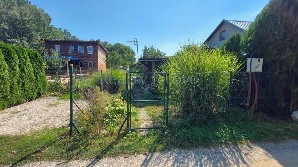 Záhrada-Predaj-Kráľová nad Váhom-13000.00 €