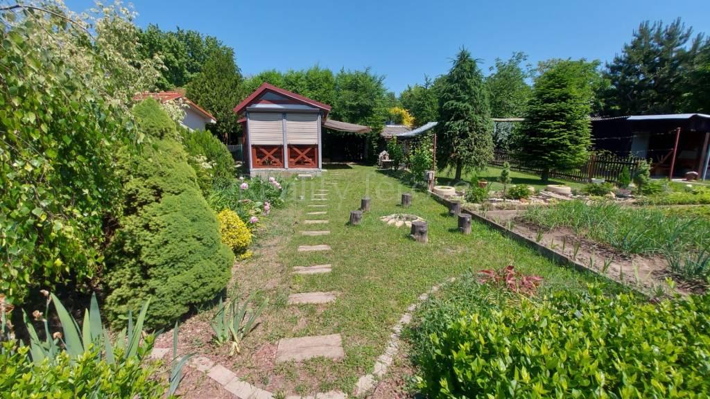 Záhrada-Predaj-Nové Zámky-17 799 €