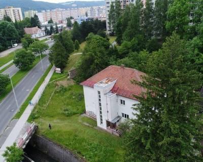 Administratívna budova na prenájom-1