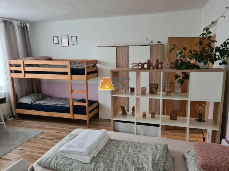 Na prenu00e1jom rodinnu00e9 domy Bansku00e1 Bystrica