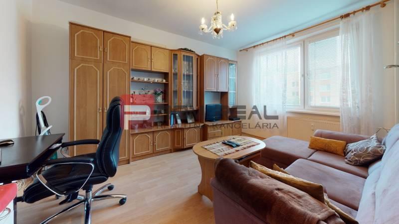 PREDAJ-2-izboveho-bytu-v-Pezinku-Office.jpg
